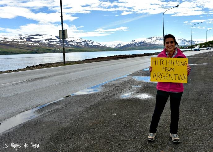 haciendo autostop en Islandia